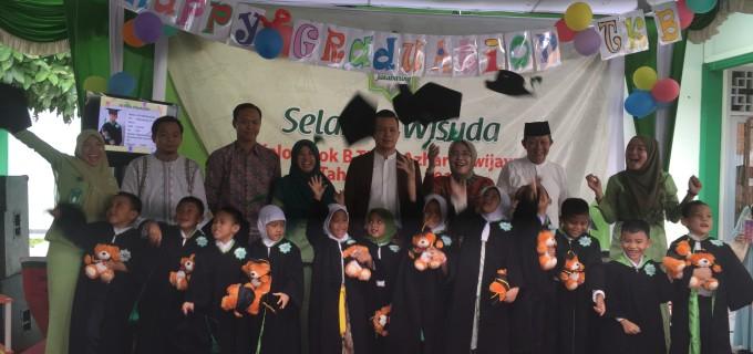 Alhamdullillah Graduation TK Al-azhar Sriwijaya Islamic School 2014-2015